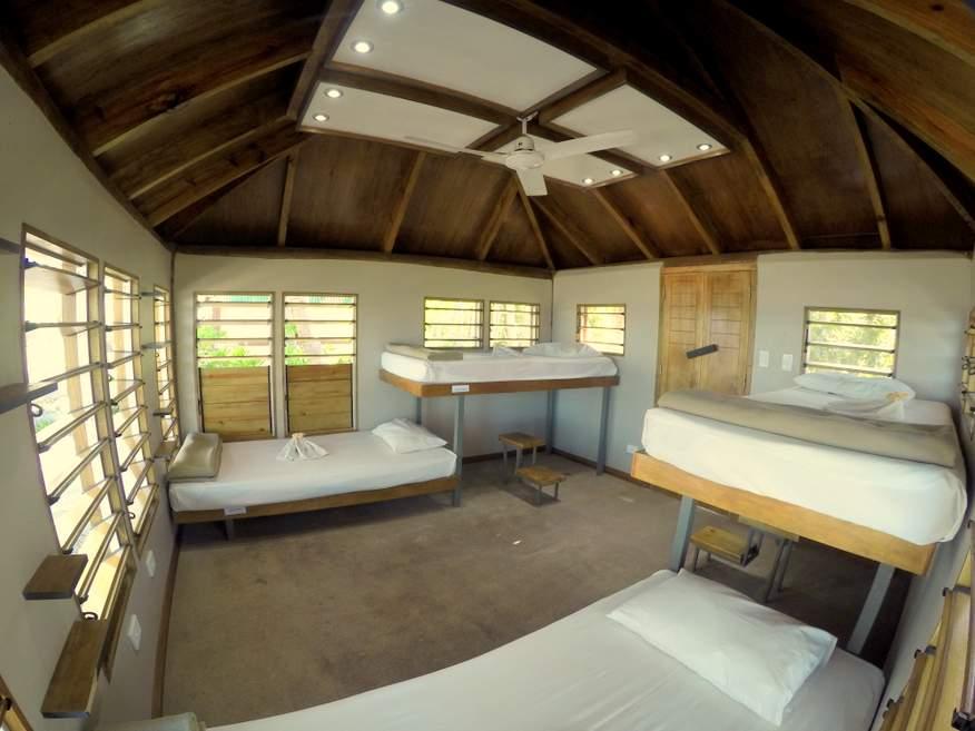 Barefoot Manta Deluxe Dorm Bure