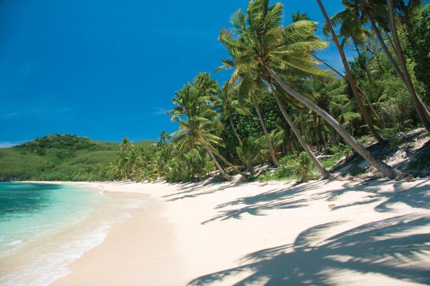 FeeJee Five - 11 Days & 10 Nights Viti Levu round trip + Beachcomber + Blue Lagoon & Mantaray