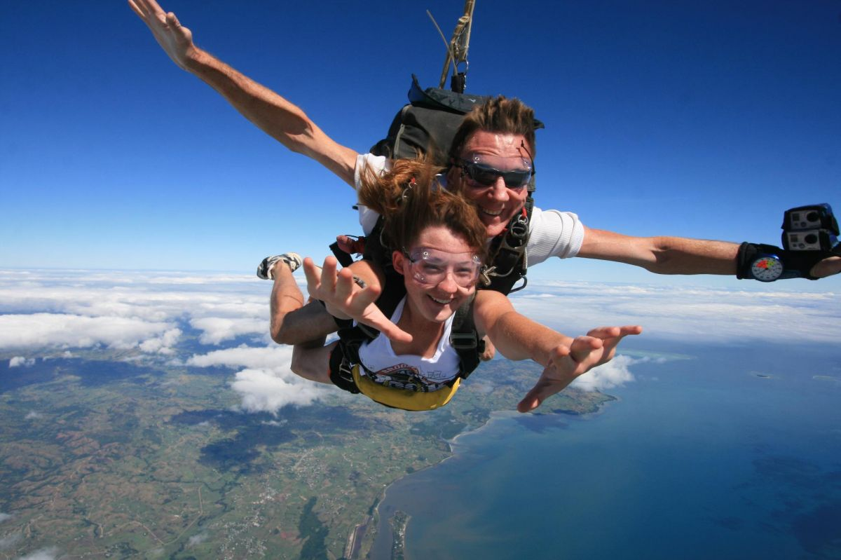 Tandem Skydiving - Skydive Fiji