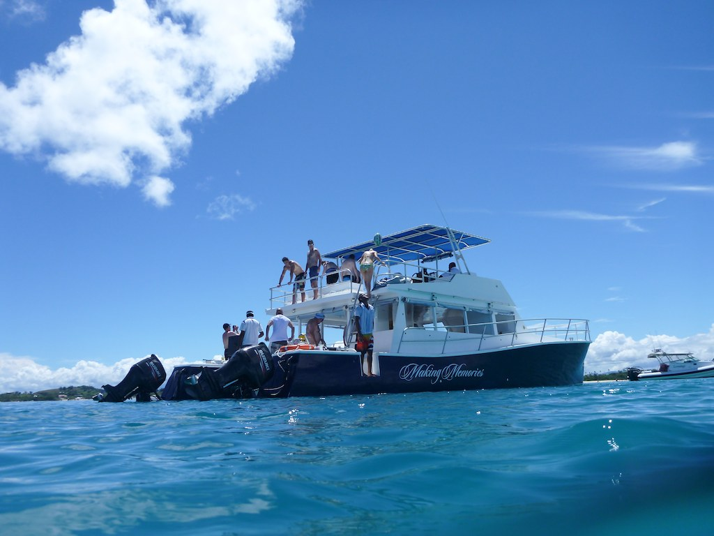 Private Boat Charter Day Trip to Cloud 9 & Sand Bar up to 44 guests