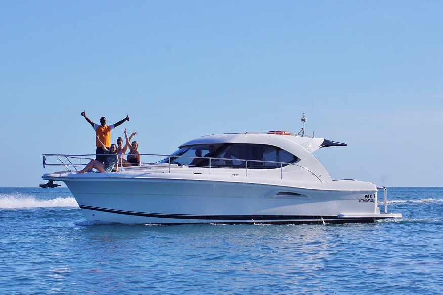 Riviera-One 7 Hour Boat Charter